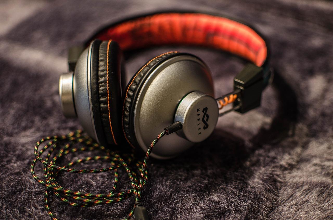 Los auriculares más asequibles para adquirir este verano